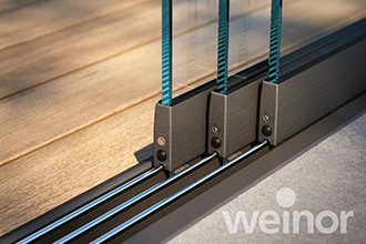 Flat floor rails